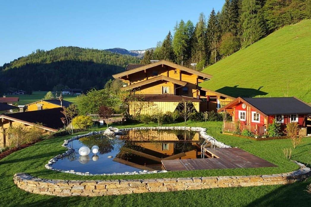 Naturnahe Gärten Hochwimmer Schwimmteiche Bilder und Videos